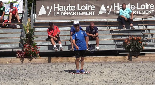 Monique DUPRE remporte le National à pétanque individuel fé...